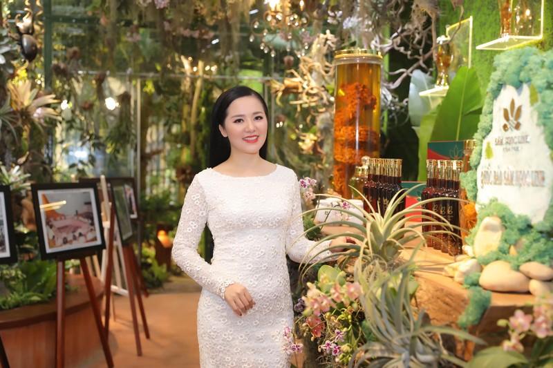 Sao Việt đổ bộ xem Báu vật đại ngàn - ảnh 2