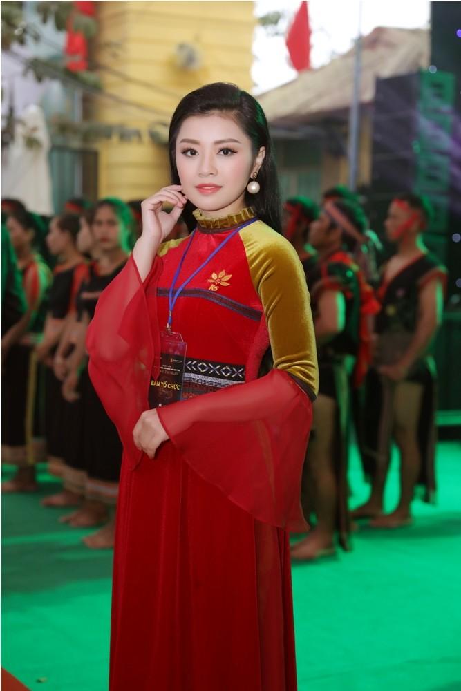 Sao Việt đổ bộ xem Báu vật đại ngàn - ảnh 5