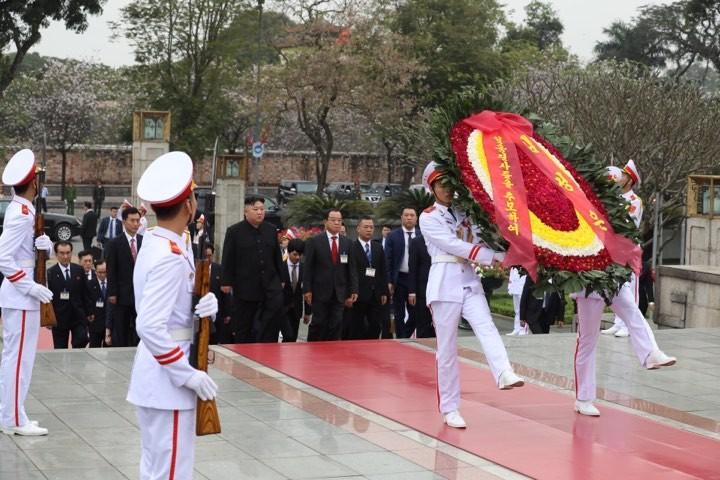 Hình ảnh Chủ tịch Kim Jong -un viếng Lăng Bác - ảnh 2