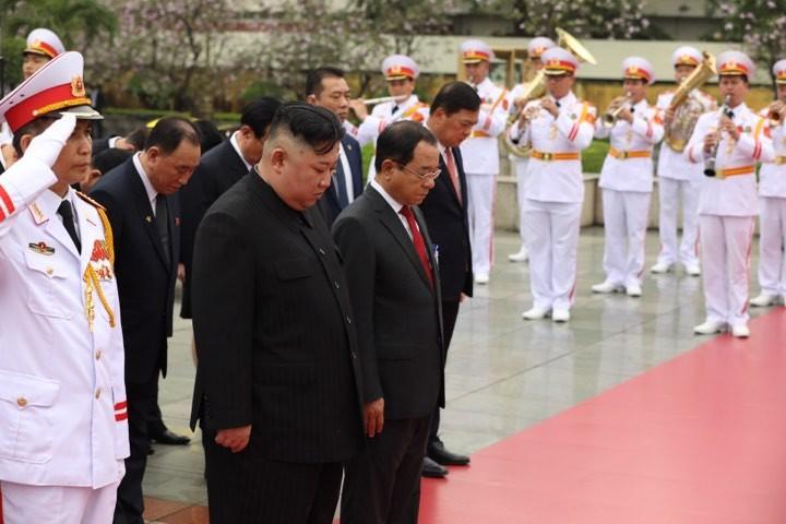 Hình ảnh Chủ tịch Kim Jong -un viếng Lăng Bác - ảnh 4