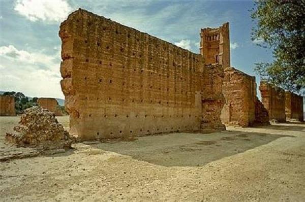 Khuyến cáo việc tổ chức tour tới Algreria và Sri Lanka - ảnh 1