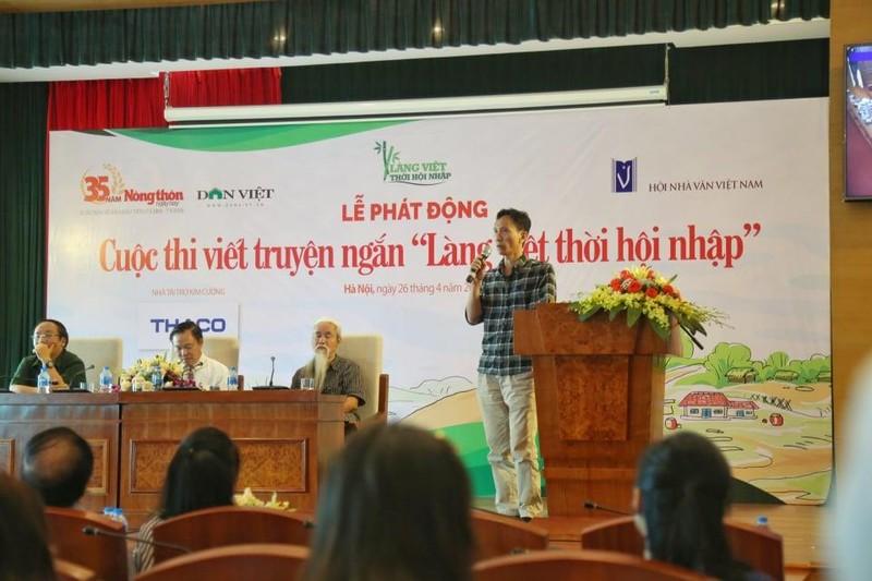 Viết về làng Việt thời hội nhập 'rinh' giải thưởng khủng - ảnh 1
