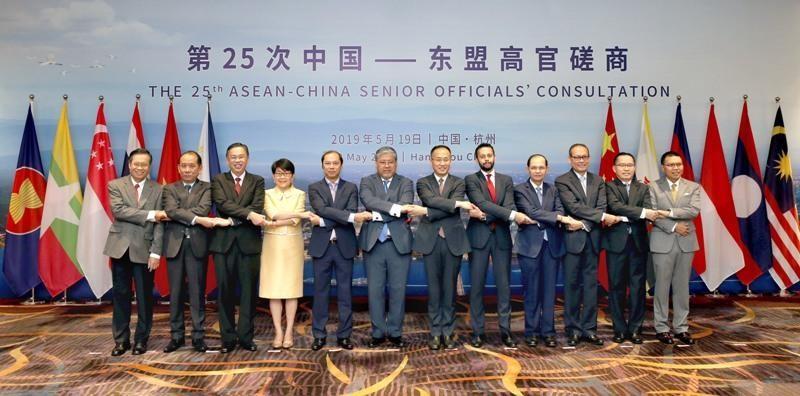 Các nước Asean kêu gọi kiềm chế ở biển Đông - ảnh 1