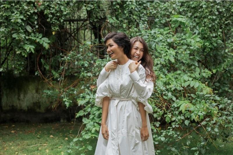 Cận cảnh mặt mộc hoa hậu H'Hen Niê và Á hậu Lệ Hằng - ảnh 2