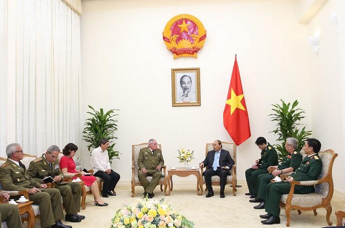 Thủ tướng Nguyễn Xuân Phúc: 'Việt Nam luôn đứng bên cạnh Cuba' - ảnh 1