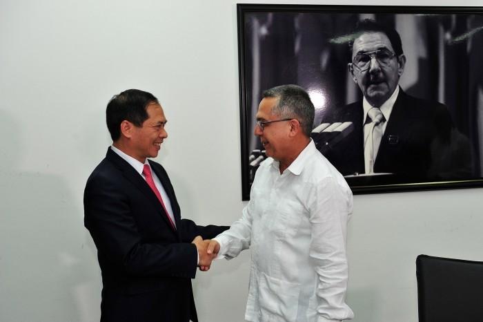 Việt Nam - Cuba trao đổi về tình hình biển Đông - ảnh 1