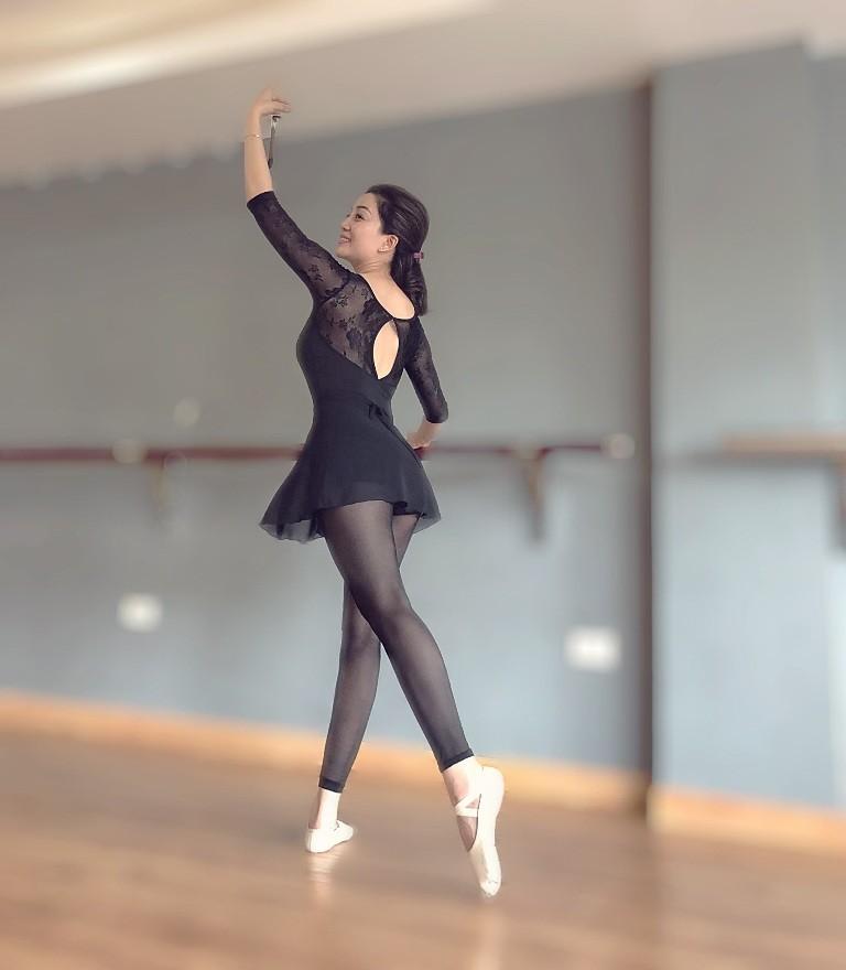 Họa mi bán cổ điển lần đầu múa ba lê trong MV mới - ảnh 1