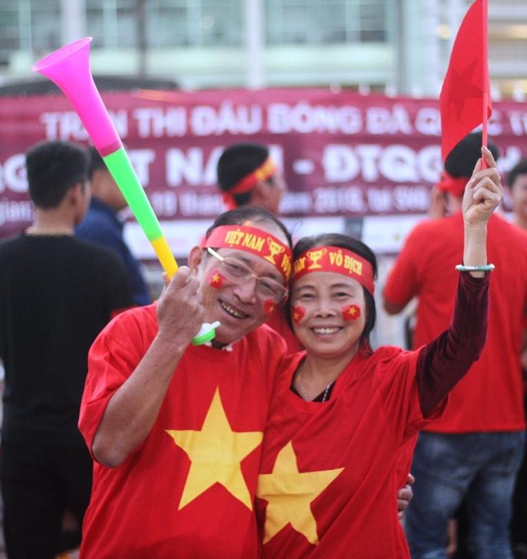 Cổ động viên Việt Nam: 'Thái Lan ơi xưa rồi' - ảnh 7