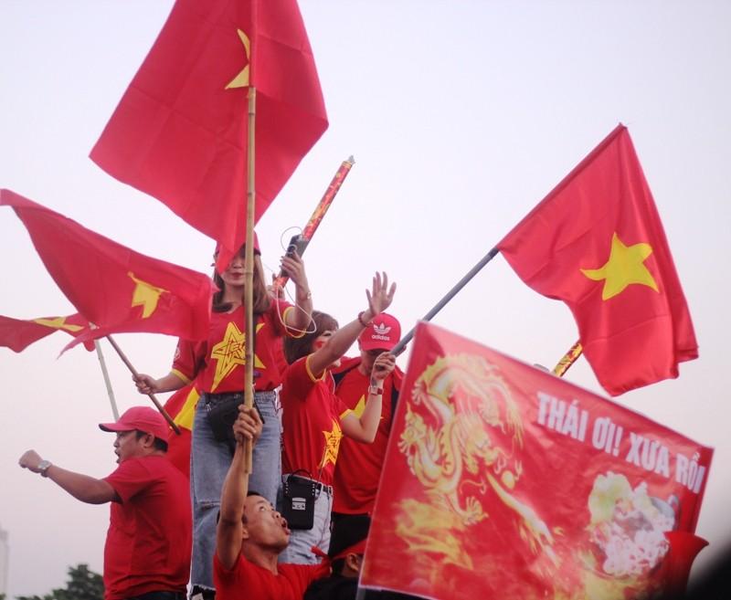Cổ động viên Việt Nam: 'Thái Lan ơi xưa rồi' - ảnh 1