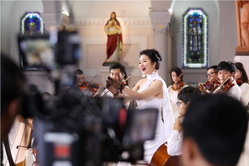 Á quân Sao Mai tặng MV cho những người con xứ Đạo dịp Noel  - ảnh 1