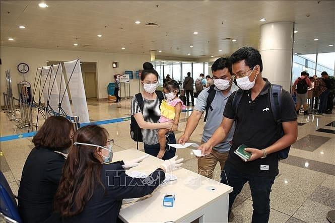 Dừng cấp thị thực cho người nước ngoài vào Việt Nam  - ảnh 1