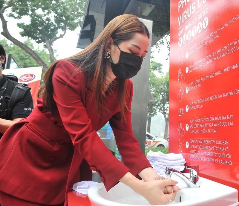 Khai trương trạm rửa tay dã chiến phòng dịch COVID-19 - ảnh 2