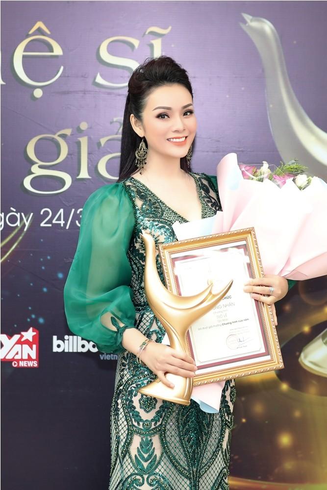 Hoàng Thùy Linh ẵm 4 giải thưởng âm nhạc cống hiến - ảnh 1