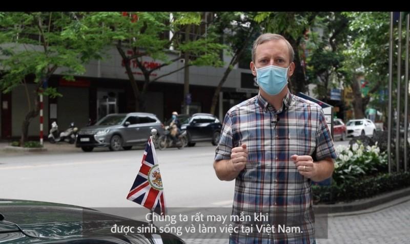 Đại sứ Anh kêu gọi công dân Anh tại VN chung tay chống dịch - ảnh 1