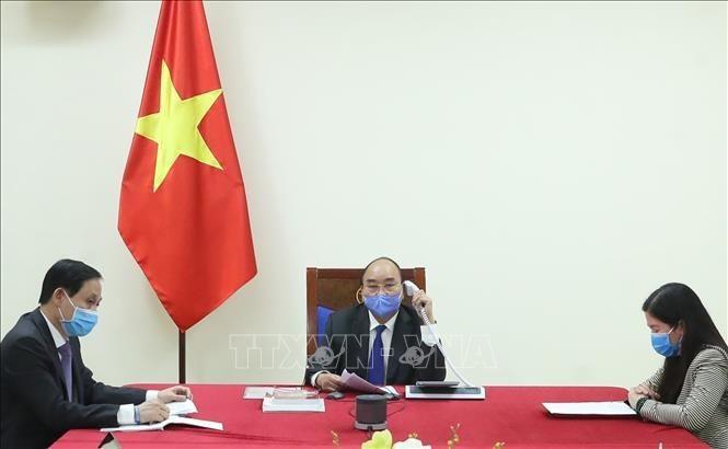 Thủ tướng điện đàm với tổng thống Hàn Quốc về dịch COVID-19 - ảnh 1