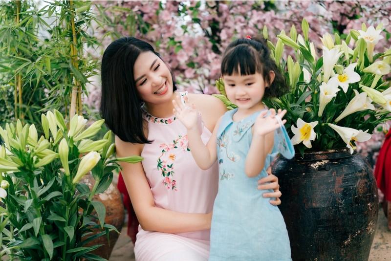 Hoa hậu Ngọc Hân chào đón mùa hè cùng con gái Hồng Quế - ảnh 5