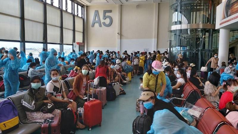 343 công dân Việt Nam từ Đài Loan về nước - ảnh 1