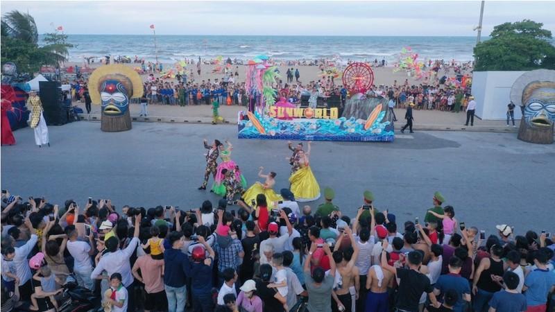Carnival  khuấy đảo đường phố xứ Thanh  - ảnh 1