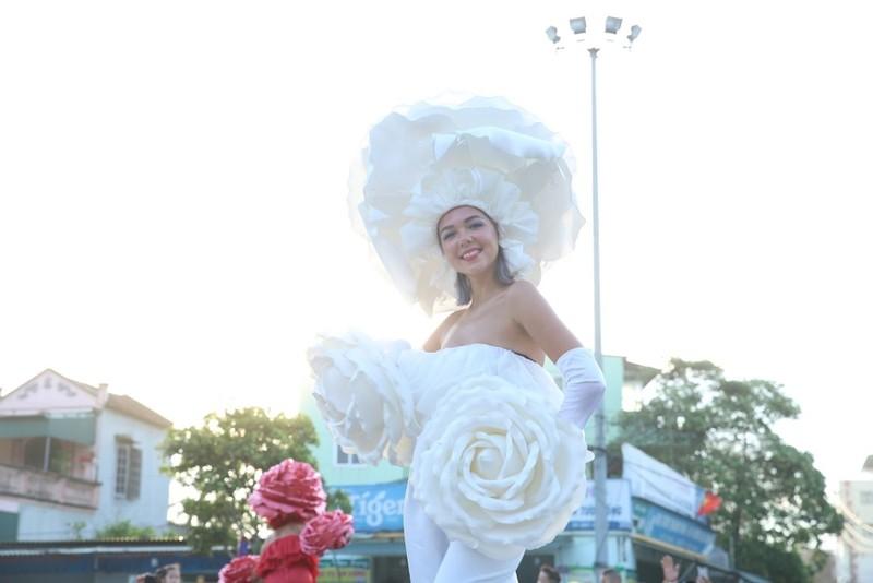 Carnival  khuấy đảo đường phố xứ Thanh  - ảnh 6