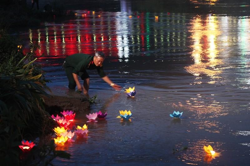 Điều đặc biệt ở tour du lịch thăm Nghĩa trang liệt sĩ Vị Xuyên - ảnh 7