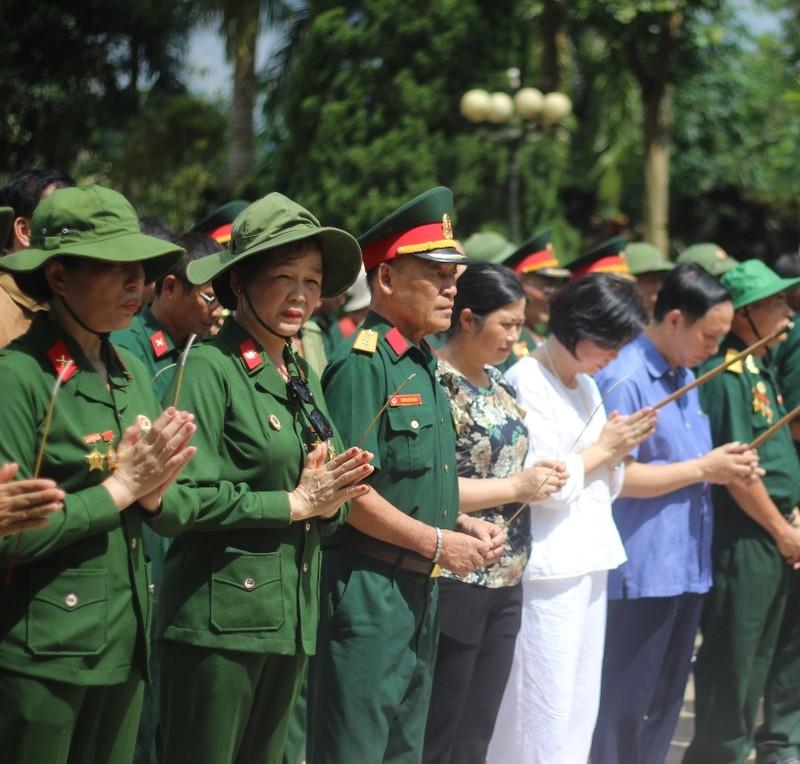 Điều đặc biệt ở tour du lịch thăm Nghĩa trang liệt sĩ Vị Xuyên - ảnh 1
