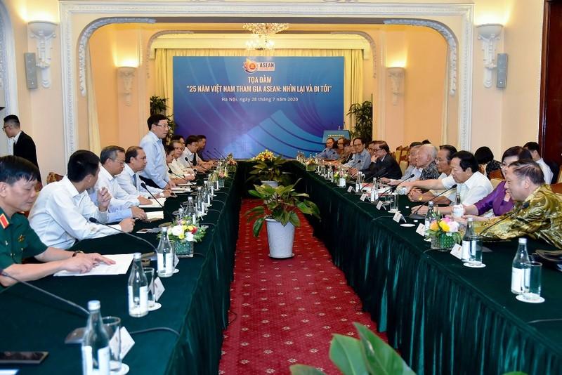 Tham gia ASEAN góp phần cho sự nghiệp xây dựng, bảo vệ Tổ quốc - ảnh 1