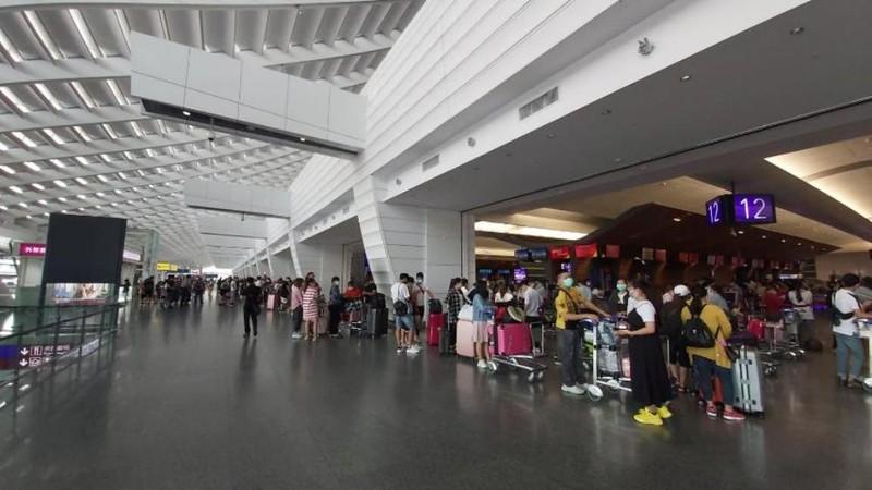 Hơn 530 công dân Việt Nam từ Đài Loan và Singapore về nước - ảnh 1