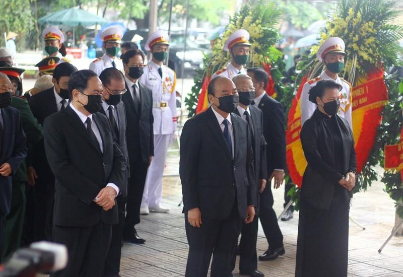 Nhiều lãnh đạo đến viếng nguyên Tổng Bí thư Lê Khả Phiêu  - ảnh 3