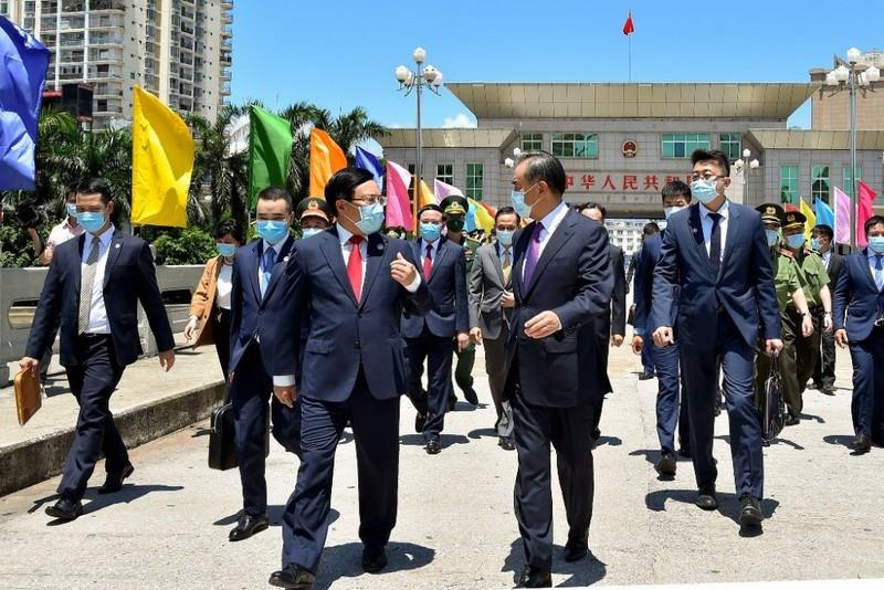 Việt Nam rất coi trọng việc duy trì quan hệ với Trung Quốc - ảnh 1