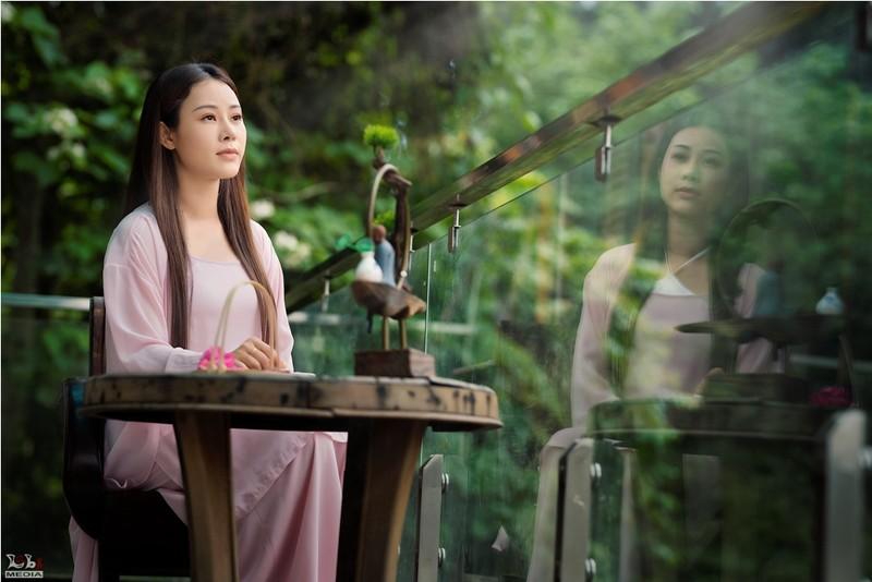 Ca sĩ Hoa Trần nói về MV Tương Tư giống hình ảnh Lý Tử Thất - ảnh 1