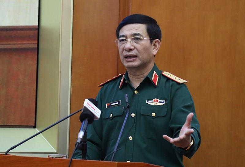 Bộ Quốc phòng rút kinh nghiệm về cứu nạn mưa lũ ở miền Trung - ảnh 1