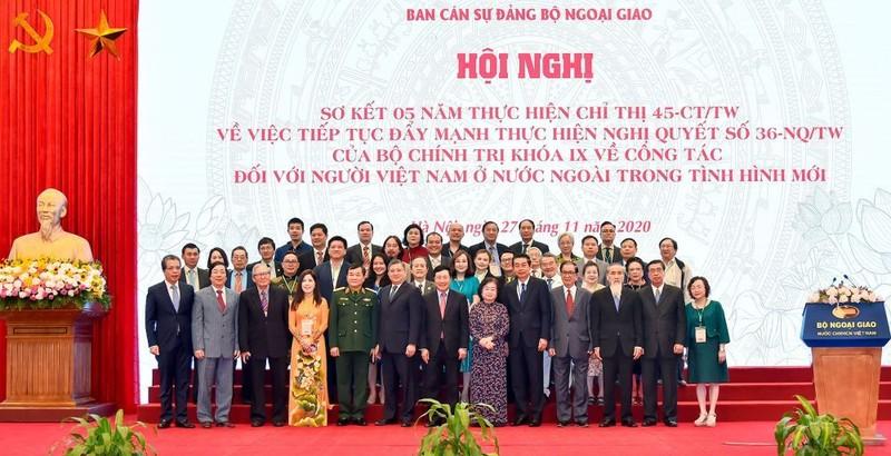 Phó Thủ tướng: Xuất hiện thế hệ trí thức gốc Việt trẻ tài năng - ảnh 2