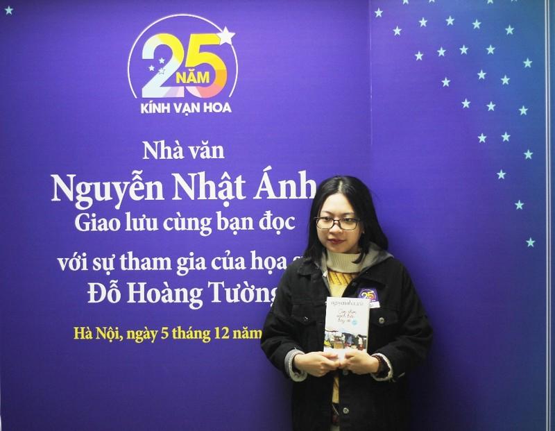 Người Hà Nội vượt lạnh đến xin chữ ký nhà văn Nguyễn Nhật Ánh - ảnh 5