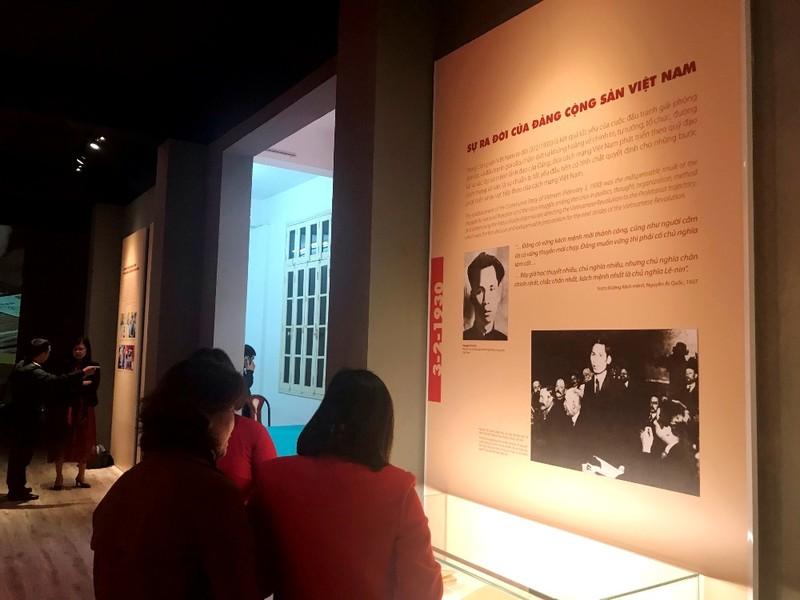 Trưng bày tư liệu về Đảng Cộng sản Việt Nam  - ảnh 2
