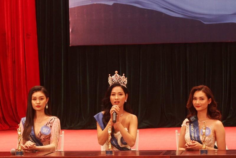 Nữ sinh Đại học Nam Cần Thơ đăng quang Hoa khôi Sinh viên  - ảnh 4