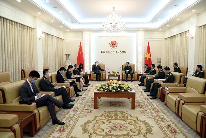 Bộ trưởng Quốc phòng tiếp Đại sứ đặc mệnh toàn quyền các nước - ảnh 1