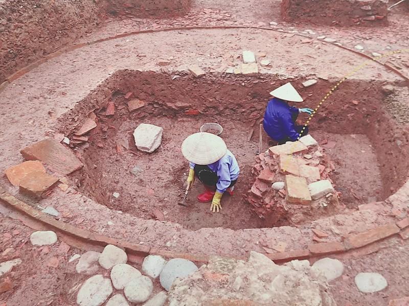 Phát hiện 2 mộ táng gạch thời kỳ tiền Thăng Long - ảnh 2
