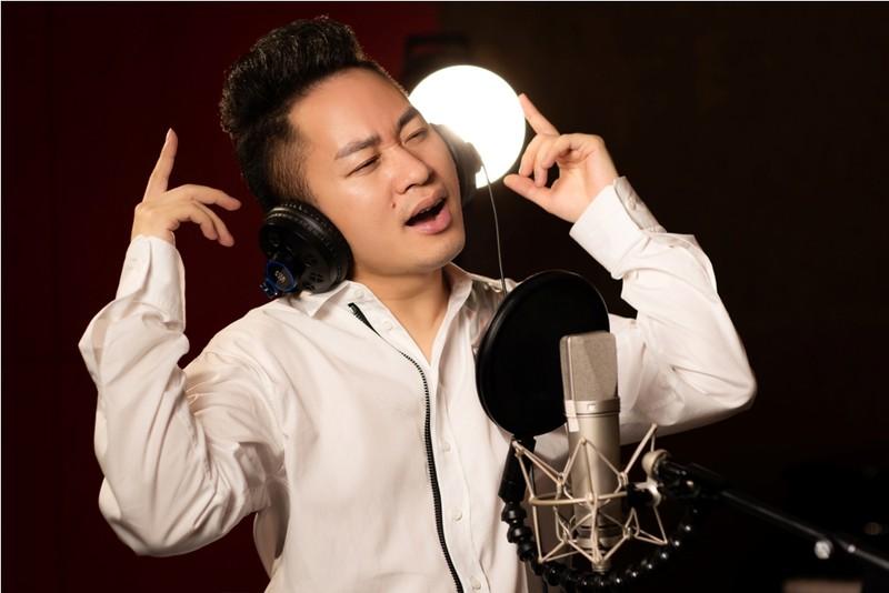 Ca sĩ Tùng Dương hát cổ vũ tuyến đầu chống dịch trong MV mới - ảnh 1