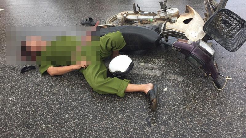 Tông xe, 1 nạn nhân mặc cảnh phục công an tử vong - ảnh 1
