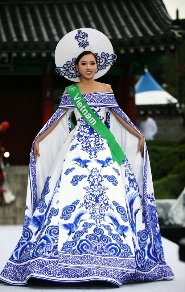 Nhan sắc gợi cảm của mỹ nhân Việt vừa đăng quang Nữ hoàng Sắc đẹp Toàn cầu - Ảnh 5.