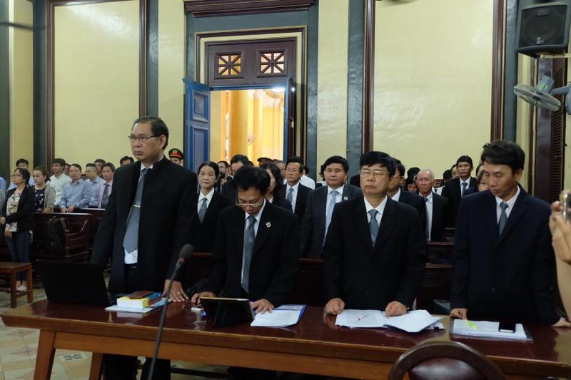 Các luật sư vụ NaviBank yêu cầu tòa hoãn xử - ảnh 1