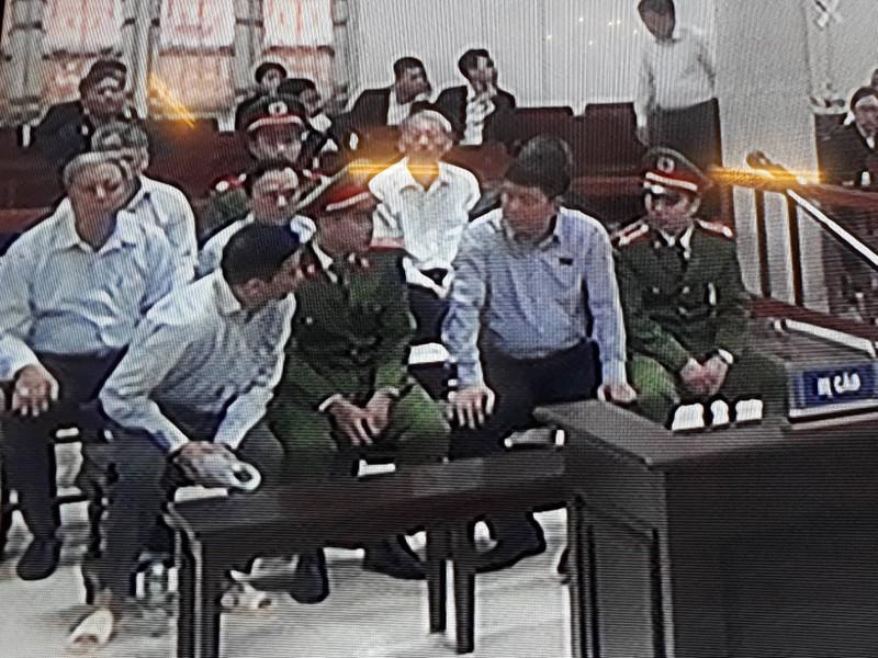 Thắt chặt an ninh tại phiên xử ông Đinh La Thăng - ảnh 4