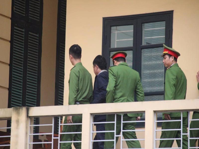 Thắt chặt an ninh tại phiên xử ông Đinh La Thăng - ảnh 3