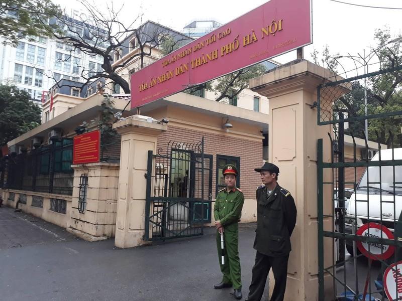 Thắt chặt an ninh tại phiên xử ông Đinh La Thăng - ảnh 2