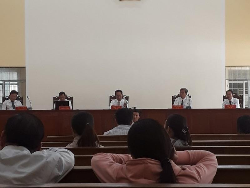 Trưởng phòng LĐ-TB&XH huyện tham ô tiền tỉ lãnh án - ảnh 1