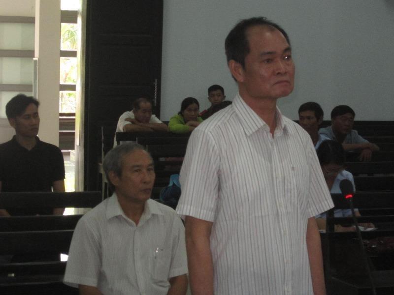 Nguyên trưởng, phó ban quản lý vịnh Nha Trang hầu tòa