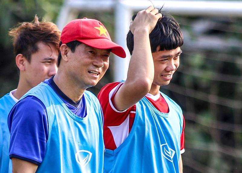 Vì sao trợ lý Lee Young-jin theo dõi sát sao Công Phượng? - ảnh 7