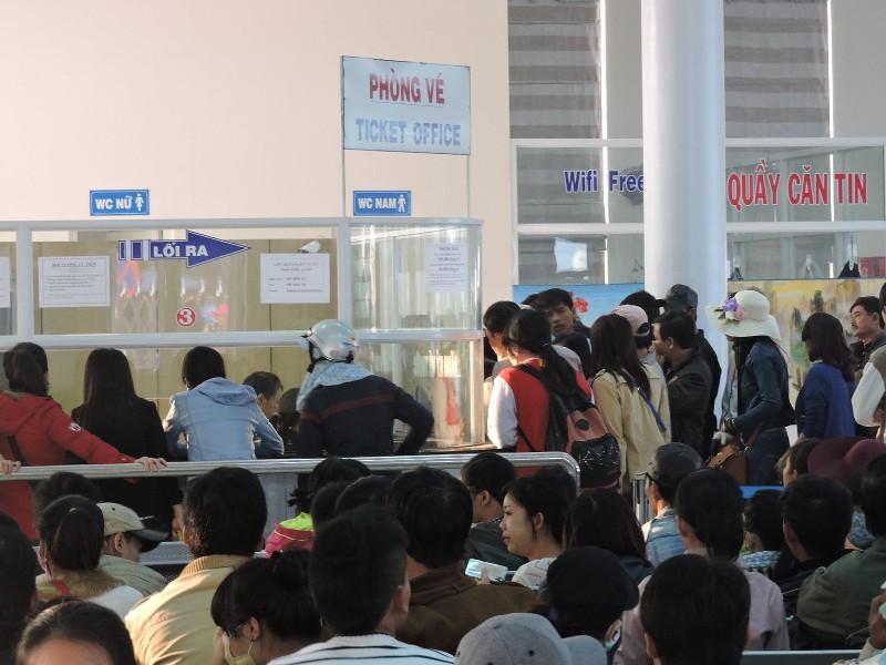 Hàng ngàn khách 'chen chân' du xuân đảo Lý Sơn - ảnh 1