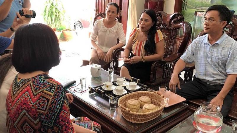 Webtretho đến nhà xin lỗi gia đình liệt sĩ Dương Văn Bắc - ảnh 1