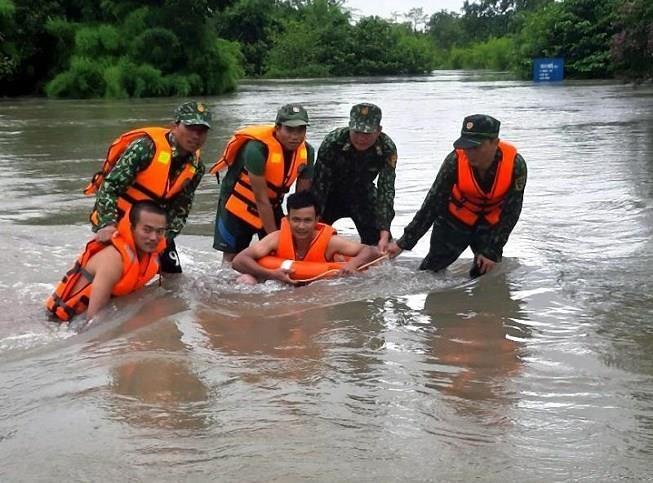 Khẩn trương khắc phục thiệt hại do mưa lớn ở vùng biên giới  - ảnh 1